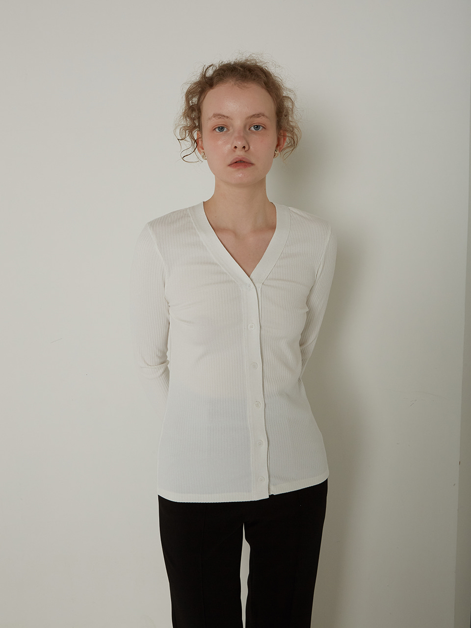 BASIC V-NECK CARDIGAN_IVORY